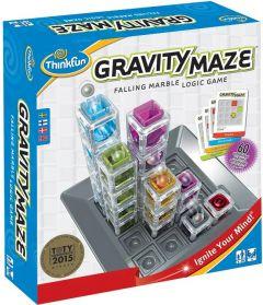 Pakkaus sisältää kuvassa näkyvän pelilaudan, värikkäät kuutiopalat ja ohjekortit.