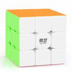 Rubikin kuution kaltainen kolme kertaa kolme pulmakuutio. Pulmakuution sivujen värit ovat: Valkoinen, sininen, punainen, vihreä, oranssi ja keltainen. Kuutio on tarraton.